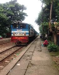 入線する列車
